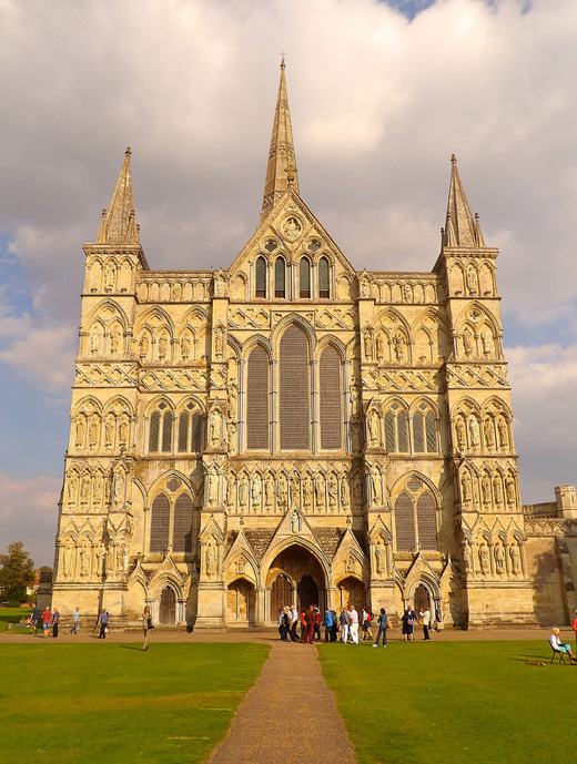 West facade, Cathedral of the Blessed Virgin Mary, Salisbury (Photo by Nathan Mizrachi