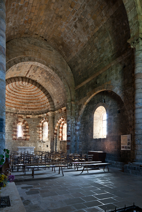 Apse, Église Notre Dame de Thines, Thines (Ardèche)  Photo by PJ McKey