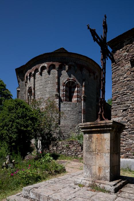 Apse exterior, Église Notre Dame de Thines, Thines (Ardèche)  Photo by PJ McKey