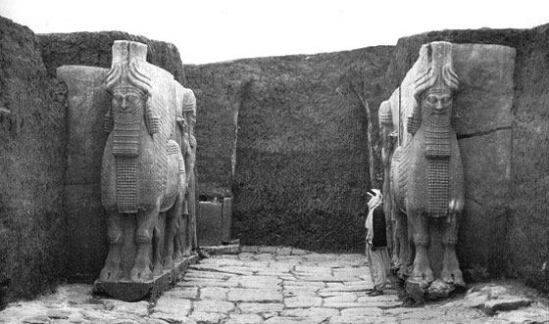Assyrian statues of winged bulls