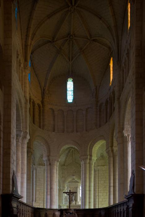 Apse, Église Abbatiale Saint-Jouin-de-Marnes, Jouin-de-Marnes (Deux-Sèvres)  Photo by Dennis Aubrey