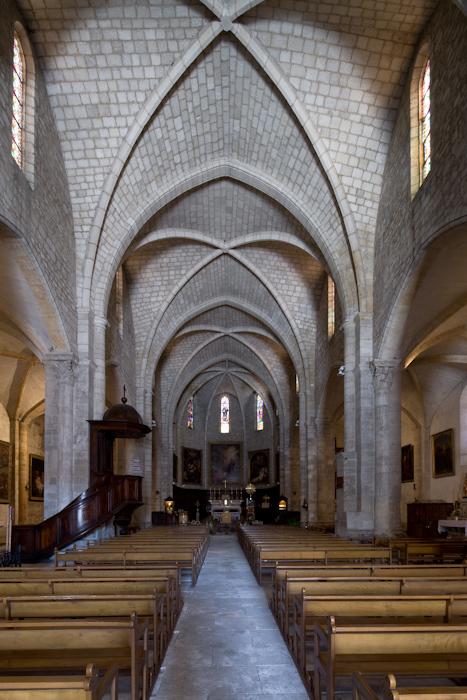 Nave, Abbaye de Saint-Gilles, Saint-Gilles-du-Gard (Bouches-du-Rhône)  Photo by Dennis Aubrey