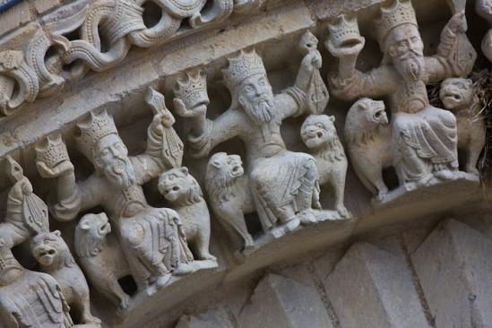 Archivolt detail,  Église Saint-Pierre d'Airvault, Airvault (Deux-Sèvres) Photo by Dennis Aubrey