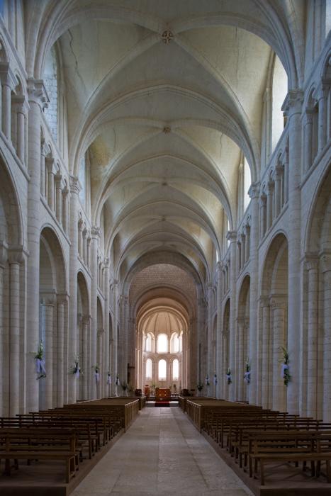 Nave, Abbaye de Bénédictins Saint-Georges, Saint-Martin-de-Boscherville (Seine-Maritime)  Photo by Dennis Aubrey