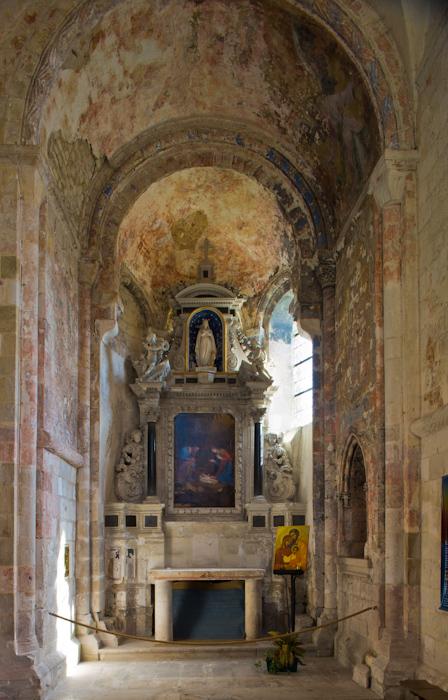 Transept chapel, Abbaye de Bénédictins Saint-Georges, Saint-Martin-de-Boscherville (Seine-Maritime)  Photo by Dennis Aubrey
