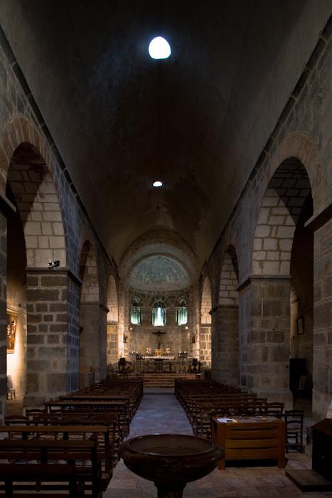 Nave, Eglise Sainte-Marie à Corneilla-de-Conflent,  Corneilla-de-Conflent (Pyrénées-Orientales)  Photo by Dennis Aubrey