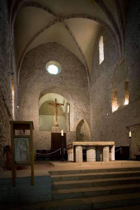 Apse, Abbaye Saint-Michel de Cuxa, Codalet (Pyrénées-Orientales) Photo by Dennis Aubrey