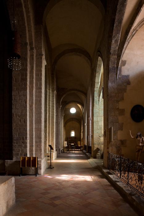 Side aisle, Cathédrale Sainte-Eulalie-et-Sainte-Julie d'Elne, Elne (Pyrénées-Orientales) Photo by Dennis Aubrey