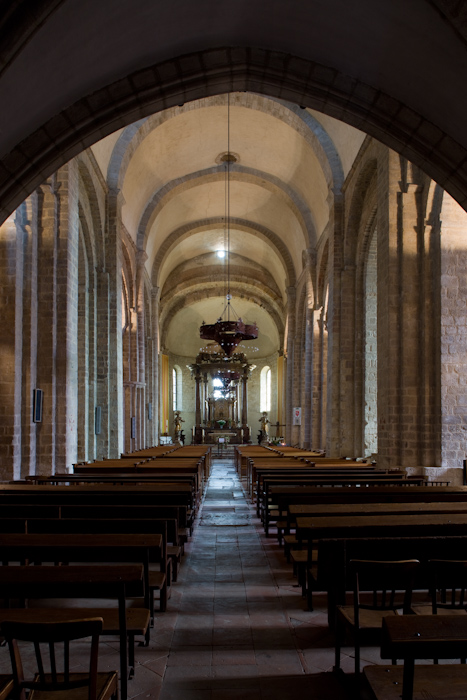 Nave, Cathédrale Sainte-Eulalie-et-Sainte-Julie d'Elne, Elne (Pyrénées-Orientales) Photo by Dennis Aubrey
