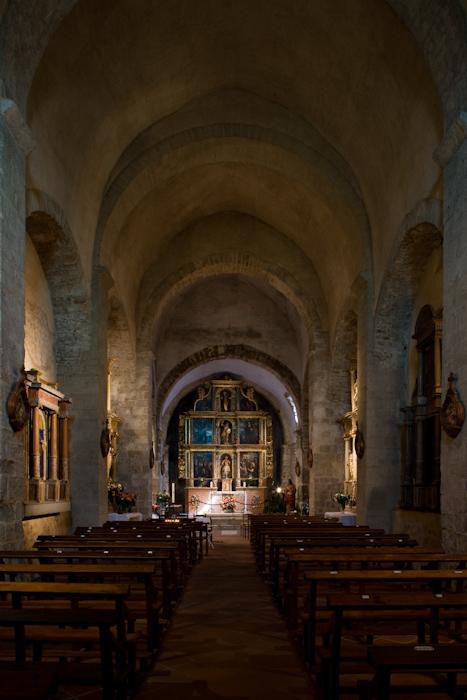 Nave, Église Saint Michel, Saint-Génis-des-Fontaines (Pyrénées-Orientales)  Photo by Dennis Aubrey