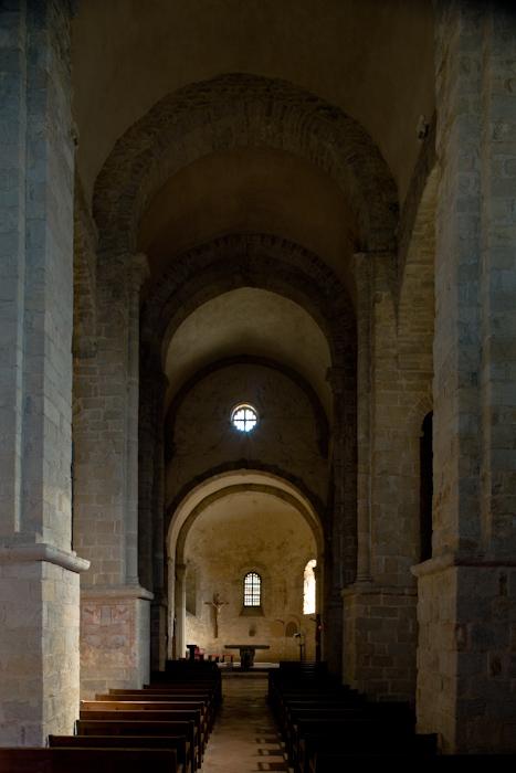 Nave, Église Saint-André-de-Sorède, Saint-André (Pyrénées-Orientales)  Photo by Dennis Aubrey