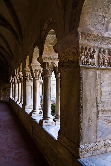 Cloister columns and piers, Cathédrale Sainte-Eulalie-et-Sainte-Julie d'Elne, Elne (Pyrénées-Orientales) Photo by PJ McKey