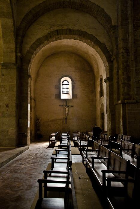 South transept, Église Saint-André-de-Sorède, Saint-André (Pyrénées-Orientales)  Photo by PJ McKey