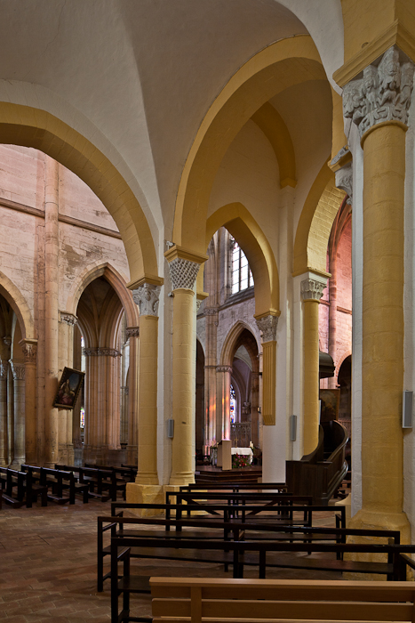 Nave side aisle to transept, Prieuré Saint-Pierre-et-Saint-Paul de Souvigny, Souvigny (Allier) Photo by PJ McKey
