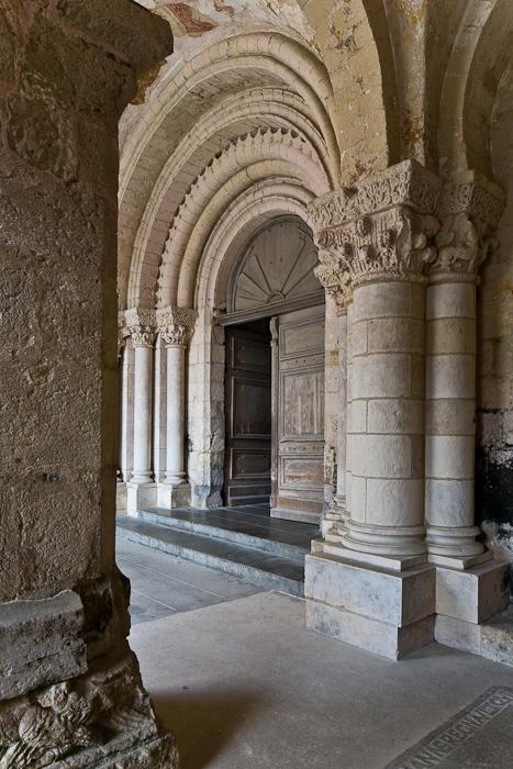 Narthex, Église Saint-Pierre d'Airvault, Airvault (Deux-Sèvres) Photo by PJ McKey