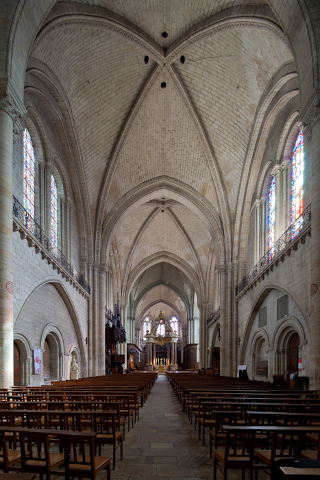 Nave, Cathédrale Saint-Maurice, Angers (Maine-et-Loire)  Photo by Dennis Aubrey