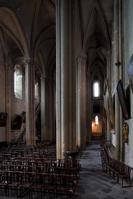 North side aisle, Collégiale Saint-Cerneuf de Billom, Billom (Puy-de-Dôme)  Photo by Dennis Aubrey