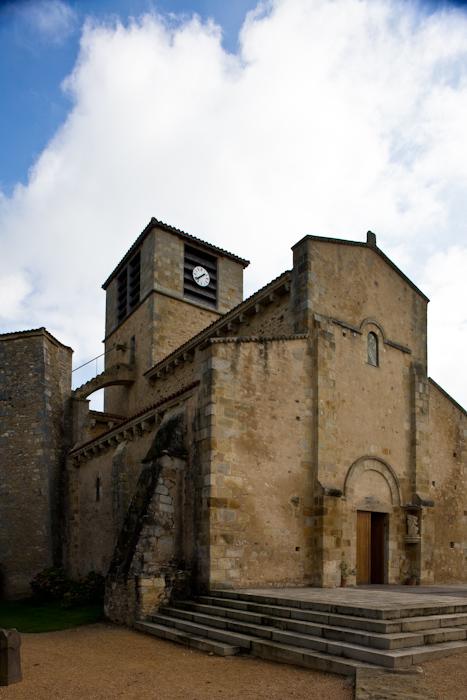 Église Saint-Jean, Glaine-Montaigut (Puy-de-Dôme)  Photo by Dennis Aubrey