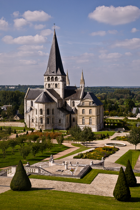 Abbaye de Bénédictins Saint-Georges, Saint-Martin-de-Boscherville (Seine-Maritime)  Photo by PJ McKey