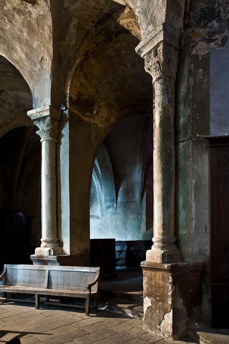Ambulatory,  Collégiale Saint-Cerneuf, Billom (Puy-de-Dôme) Photo by PJ McKey
