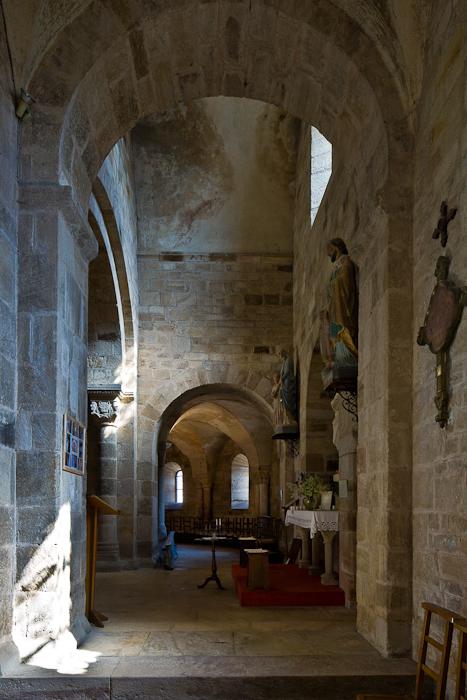 South side aisle, transept and ambulatory, Église Notre-Dame-de-la-Nativité, Bois-Sainte-Marie (Saône-et-Loire)  Photo by PJ McKey