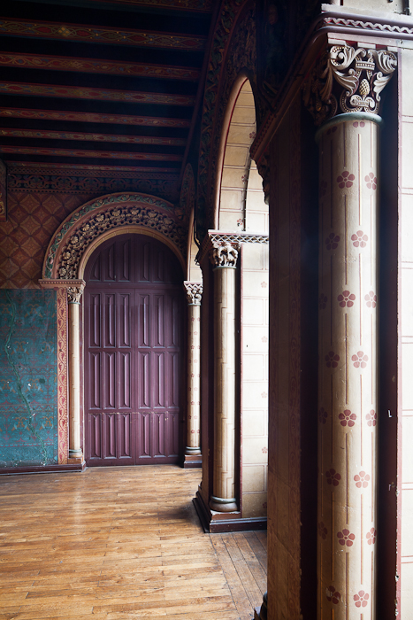 Entry, Salle de Justice, Palais du Tau, Angers (Maine-et-Loire)  Photo by PJ McKey
