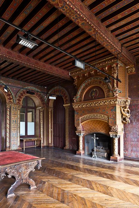 Library, Palais du Tau, Angers (Maine-et-Loire)  Photo by PJ McKey
