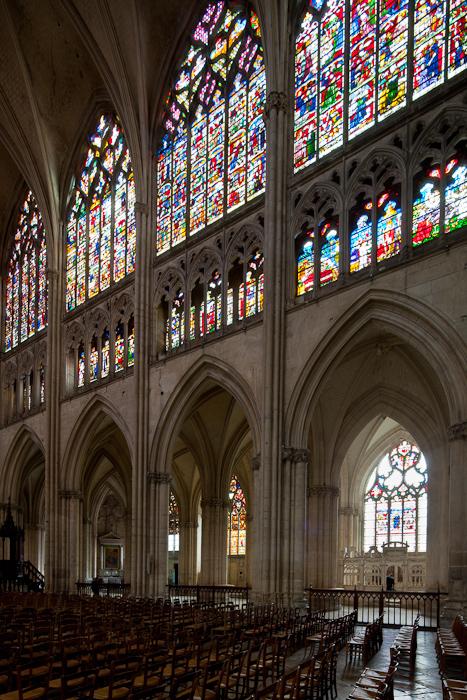 Nave elevation, Cathédrale Saint Pierre et Saint Paul, Troyes (Aube)  Photo by Dennis Aubrey