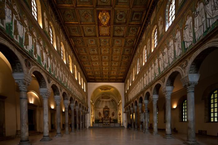 Nave,  Basilica di Sant'Apollinare Nuovo, Ravenna (Emilia-Romagna)  Photo by Dennis Aubrey