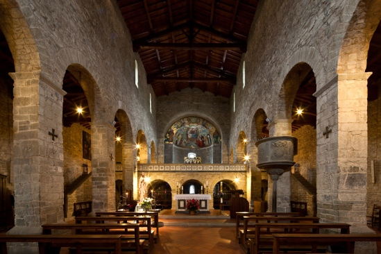 Nave, Abbazia di San Godenzo, San Godenzo (Toscana)  Photo by Dennis Aubrey