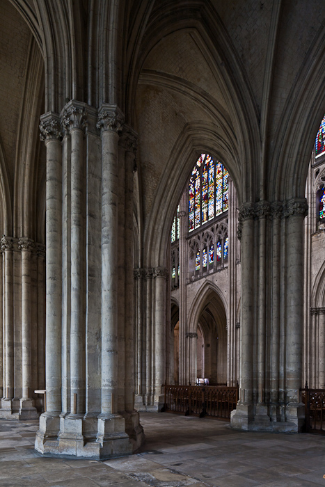 Side Aisle, Cathédrale Saint Pierre et Saint Paul, Troyes (Aube)  Photo by PJ McKey