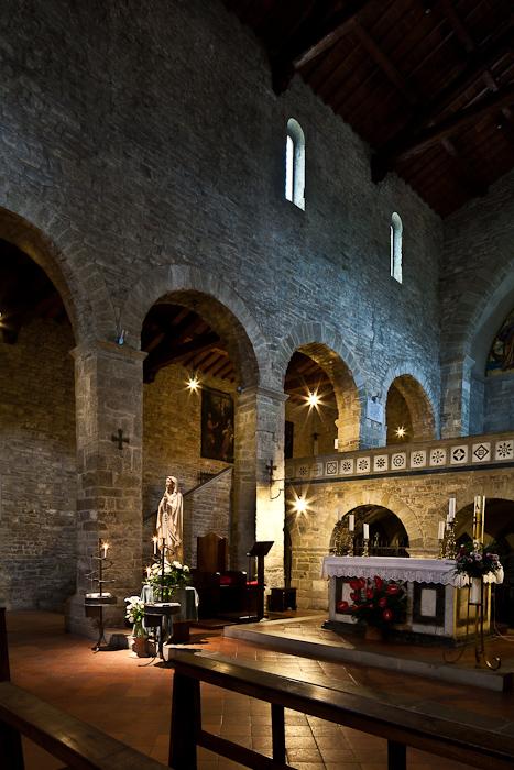 Tribune and nave elevation, Abbazia di San Godenzo, San Godenzo (Toscana)  Photo by PJ McKey