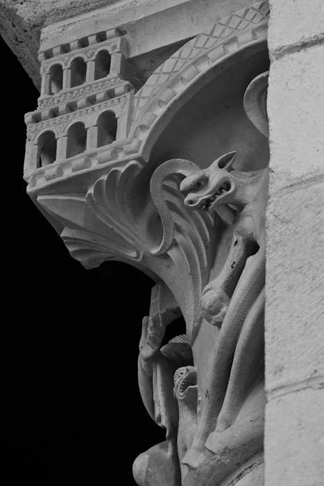 Temptation capital detail, Église Saint Martin, Plaimpied-Givaudins  (Cher)  Photo by Dennis Aubrey