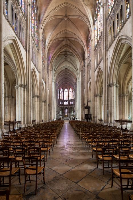 Nave, Cathédrale Saint Pierre et Saint Paul, Troyes (Aube)  Photo by Dennis Aubrey