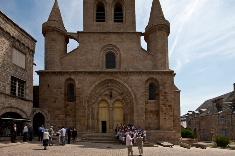 West portal, Collégiale Saint-Junien de Saint-Junien,  Saint-Junien (Haute-Vienne)  Photo by Dennis Aubrey
