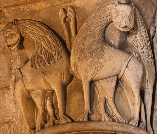 Capital, Église Notre Dame de Chauvigny, Chauvigny (Vienne)  Photo by Dennis Aubrey