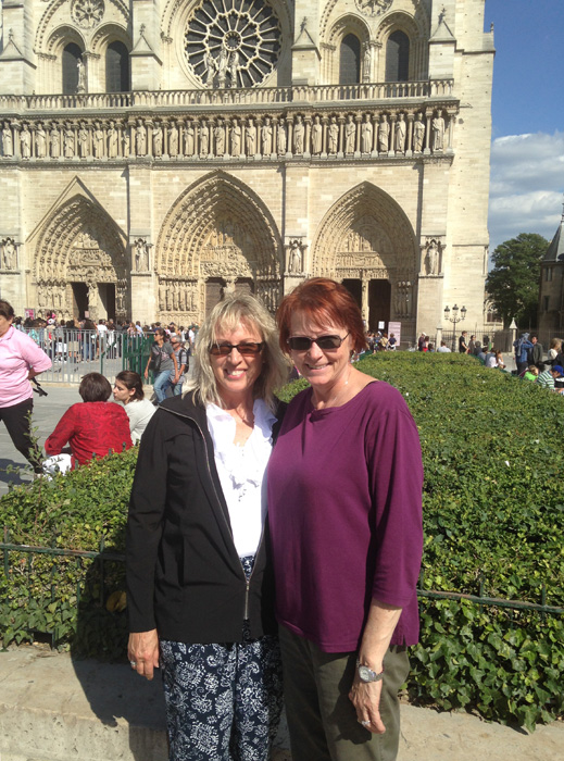 Sonnnie and PJ on the parvis at Notre Dame de Paris