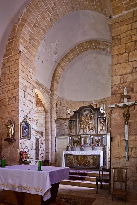Église Saint-Pierre-ès-Liens de Goujounac, Goujounac (Lot)  Photo by PJ McKey