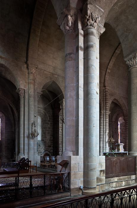 Ambulatory, Collégiale Saint-Junien de Saint-Junien,  Saint-Junien (Haute-Vienne)  Photo by PJ McKey
