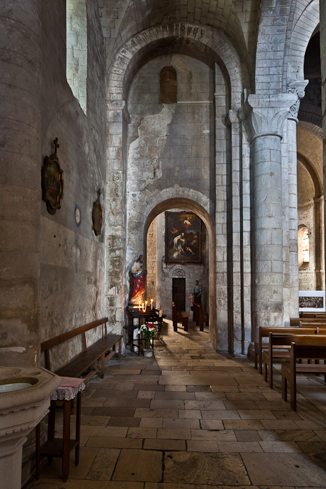 North side aisle, Église Notre Dame, Chauvigny (Vienne)  Photo by PJ McKey