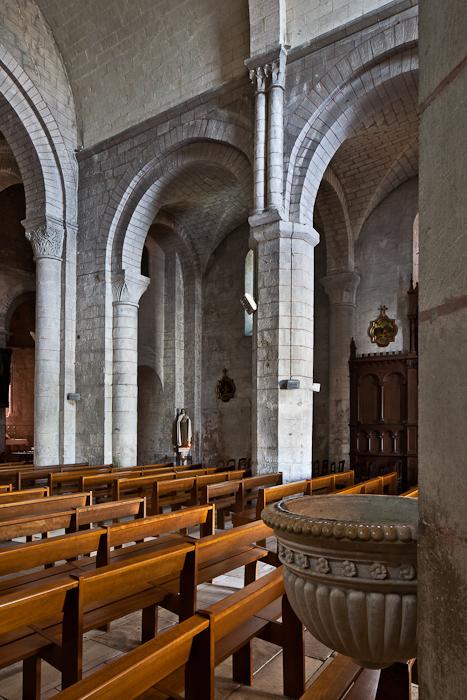 Nave elevation, Église Notre Dame, Chauvigny (Vienne)  Photo by PJ McKey