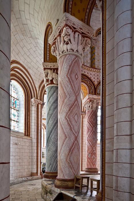 Ambulatory, Collégiale Saint Pierre, Chauvigny (Vienne)  Photo by PJ McKey