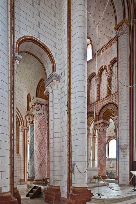 Ambulatory and choir, Collégiale Saint Pierre, Chauvigny (Vienne)  Photo by PJ McKey
