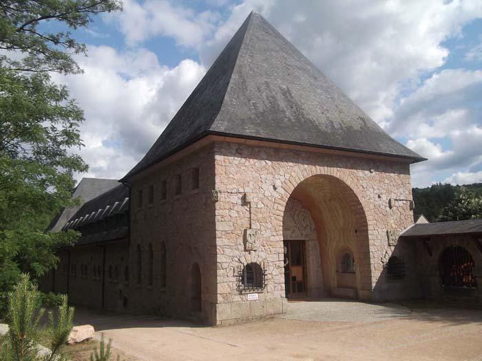 Reception, Abbaye La Pierre Qui Vire, Saint-Léger-Vauban (Yonne)  Photo by Didier Long
