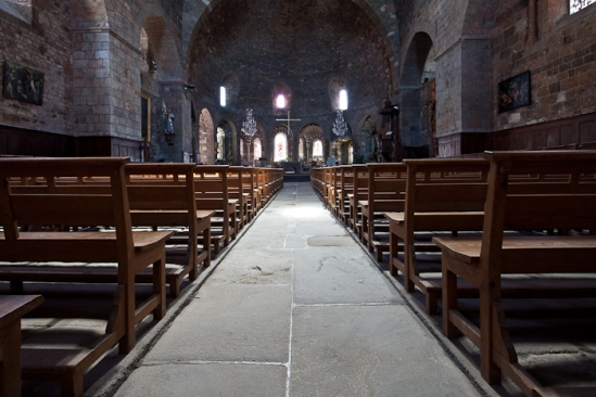Nave, Église Saint-Georges, Saint-Paulien (Haute-Loire)  Photo by Dennis Aubrey