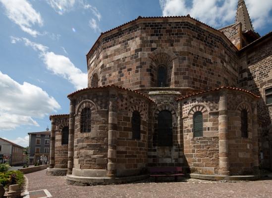 Chevet,  Église Saint-Georges, Saint-Paulien (Haute-Loire)  Photo by Dennis Aubrey