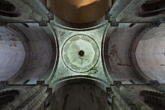 Crossing dome, Collégiale Saint-Pierre-ès-Liens, Le Dorat (Haute-Vienne) Photo by Dennis Aubrey