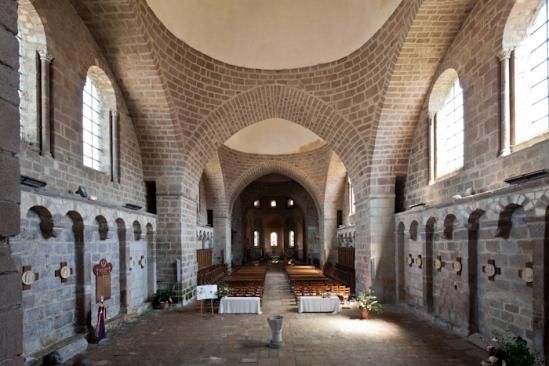 Nave, Abbatiale Saint Pierre et Saint Paul, Solignac (Haute-Vienne)  Photo by Dennis Aubrey
