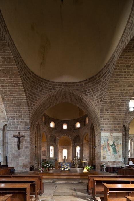 Crossing and apse, Abbatiale Saint Pierre et Saint Paul, Solignac (Haute-Vienne)  Photo by Dennis Aubrey