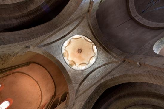 Crossing dome, Collégiale de Saint-Léonard de Noblat, Saint-Léonard de Noblat (Haute-Vienne)  Photo by Dennis Aubrey